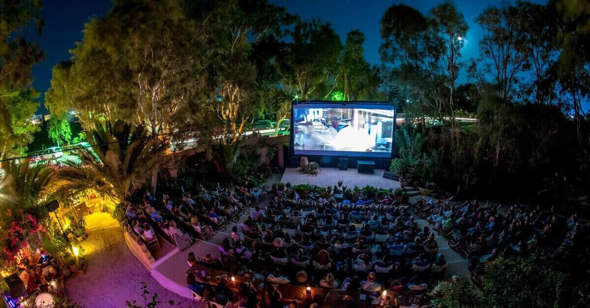 7 Tips to Plan a Successful Outdoor Movie Event
